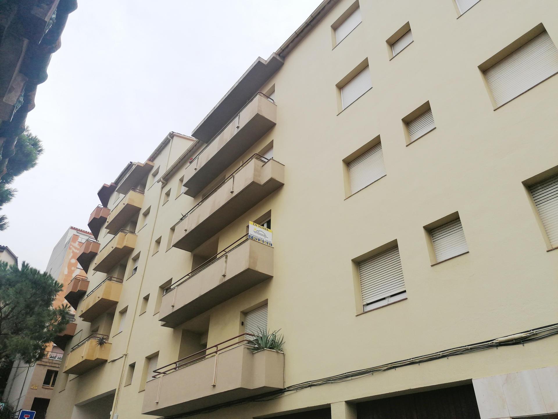 Apartamento -                                       Portbou -                                       4 dormitorios -                                       7 ocupantes