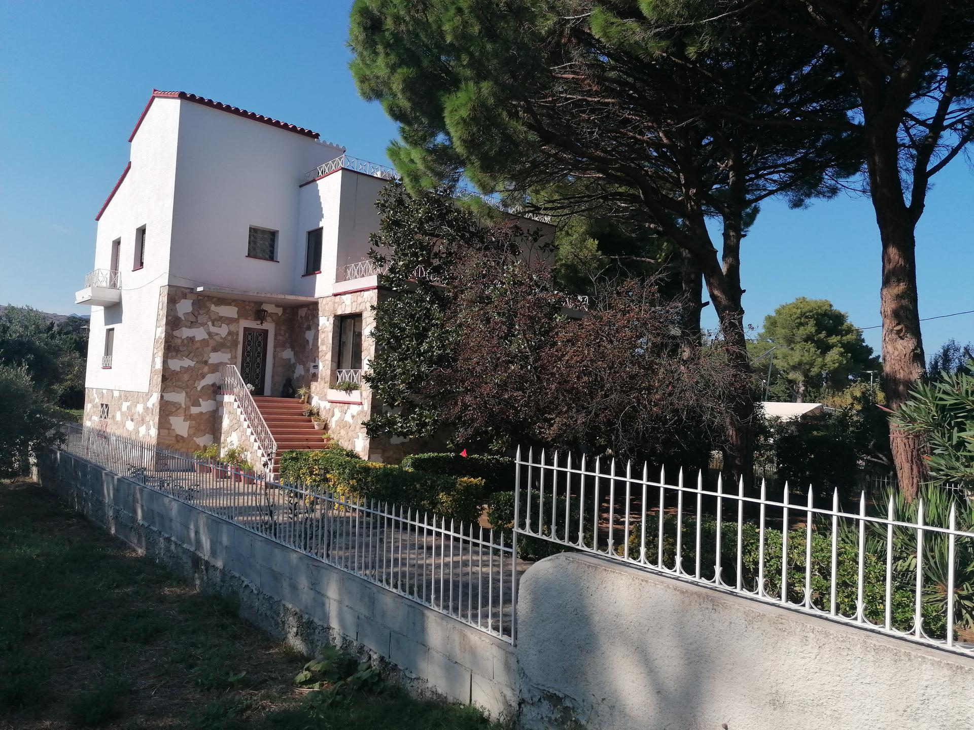 Casa -                               Llançà -                               7 dormitorios -                               14 ocupantes
